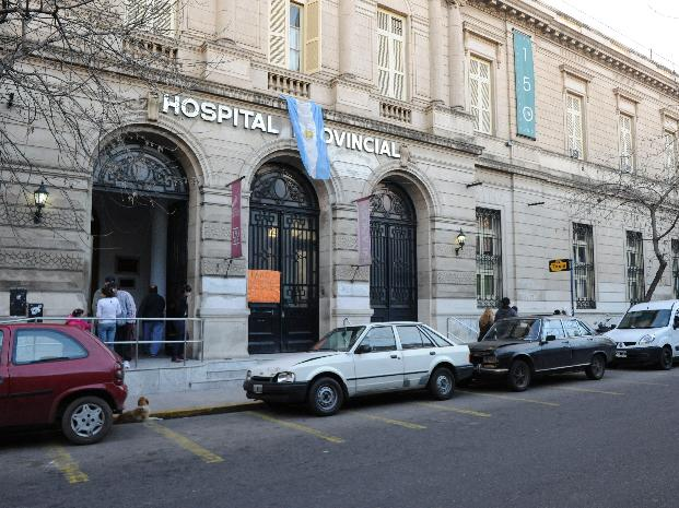 Un hombre se resistió a un asalto y terminó en un hospital con dos puñaladas