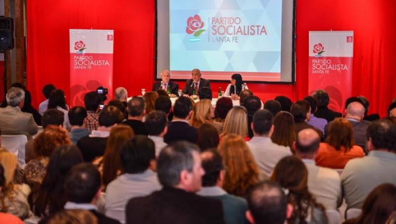 El Socialismo lanzó su foro de intendentes, presidentes de comuna y concejales