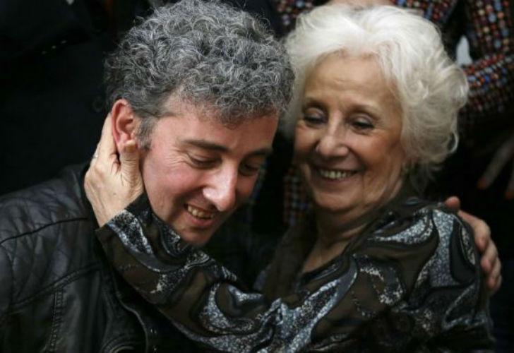 Carlotto emprende una gira mundial junto a su nieto recuperado