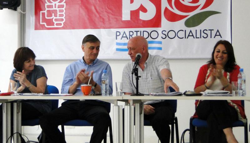 """""""No compartiremos ninguna alternativa ni con Macri ni con Massa; no seremos parte de un rejunte"""