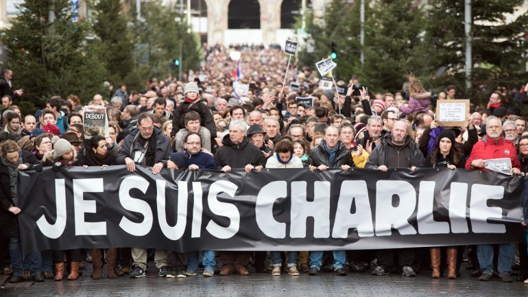 Francia: 700.000 personas marcharon en homenaje a víctimas de los ataques terroristas