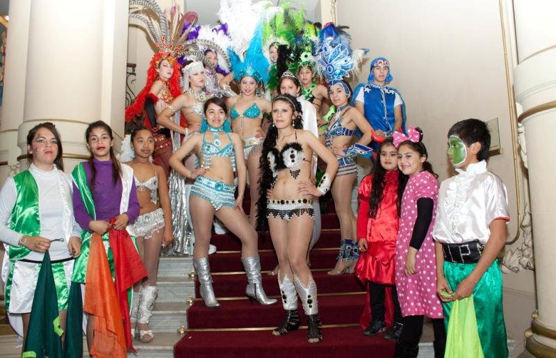 El carnaval santafesino calienta el invierno en la UTN