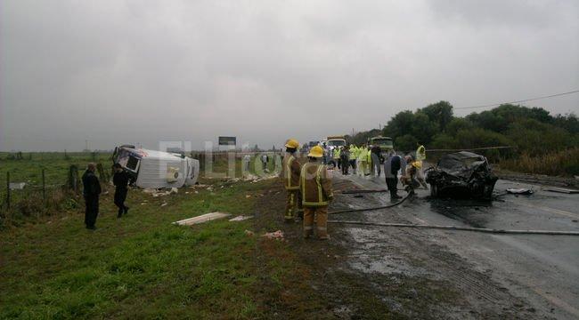 Cinco heridos por un accidente en el acceso norte a Llambi Campbell