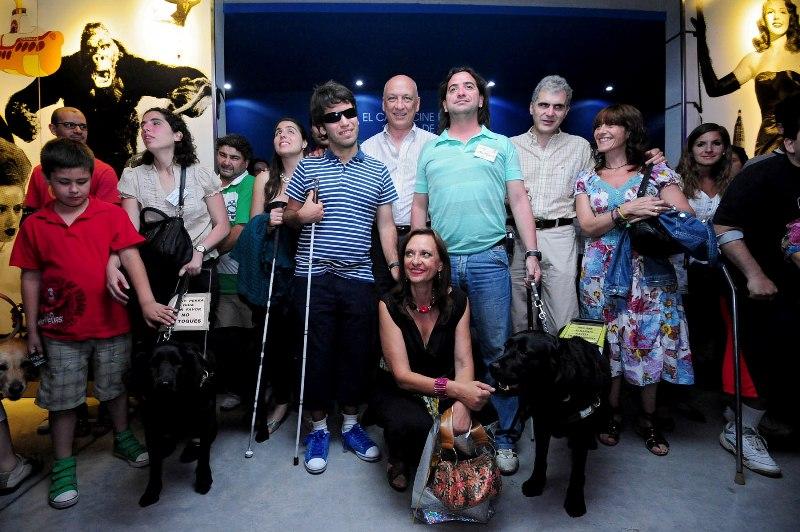 Presentarán un proyecto para la libre circulación de personas con discapacidad visual acompañadas con perros guías
