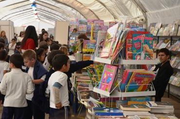 La Feria de Libro se prepara para su tercera jornada