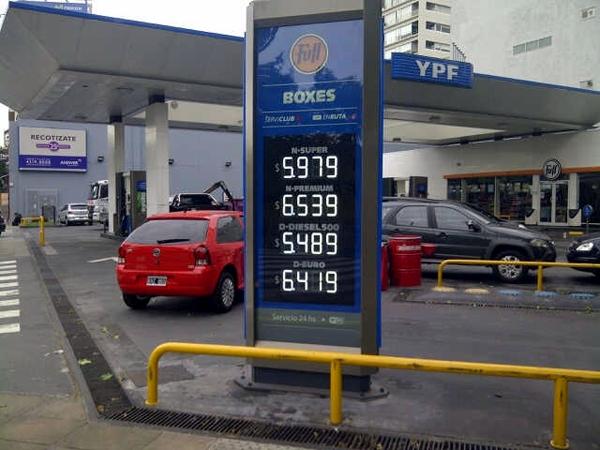 Con la nueva suba, YPF alcanza a Shell en los precios de sus naftas