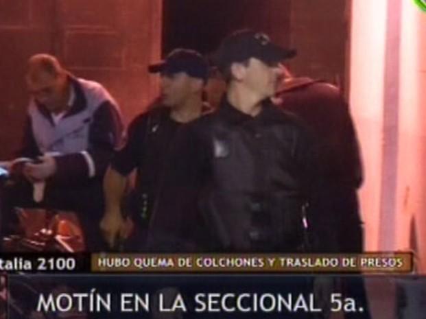 """Motín en la comisaría 5ª con quema de colchones por """"paupérrimas condiciones de detención"""""""