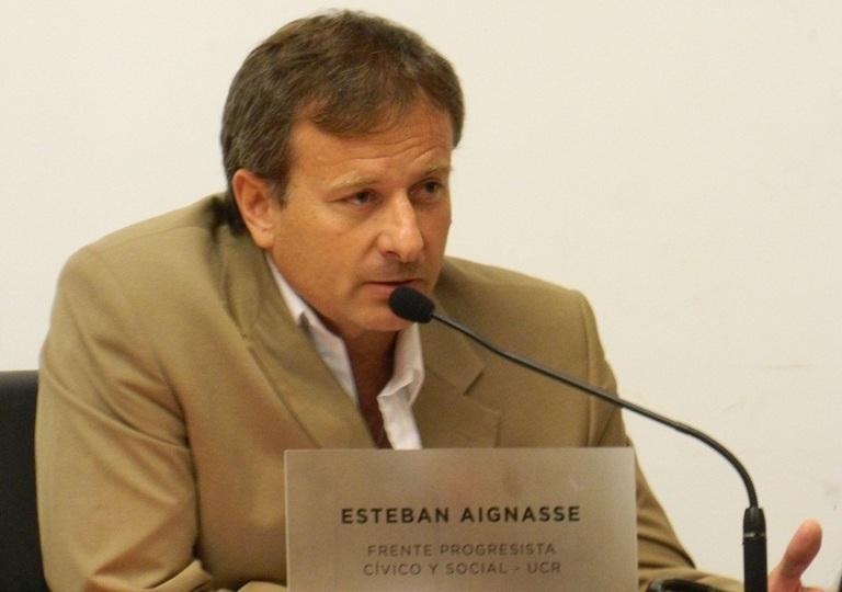 El Concejal Aignasse pide el ensanchamiento de un sector de Blas Parera