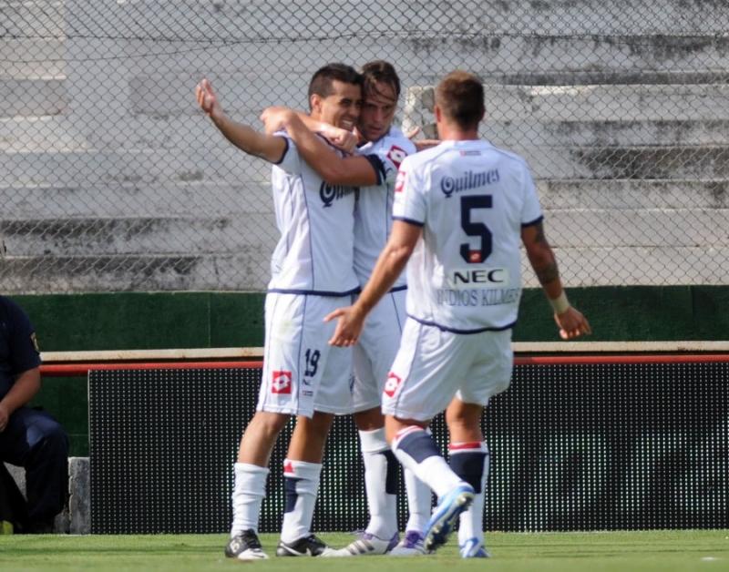 Unión perdió 3 a 0 con Quilmes en el 15 de Abril