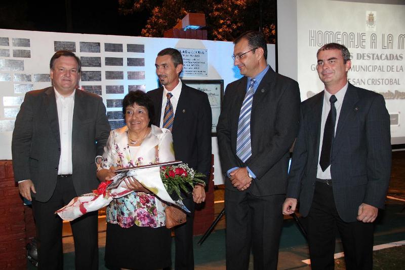Homenaje en el Día Internacional de la Mujer, en San Cristóbal