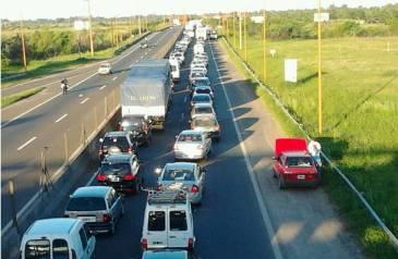 Hubo congestión de tránsito por dos accidentes viales en la ruta 168