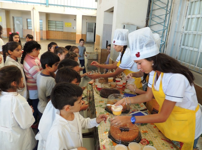 """Presentaron """"Kiosco saludable"""", una iniciativa para mejorar hábitos los alimenticios en la escuela"""