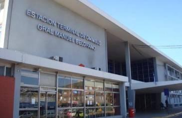 Detuvieron a un uruguayo con dos armas en la terminal de colectivos de Santa Fe