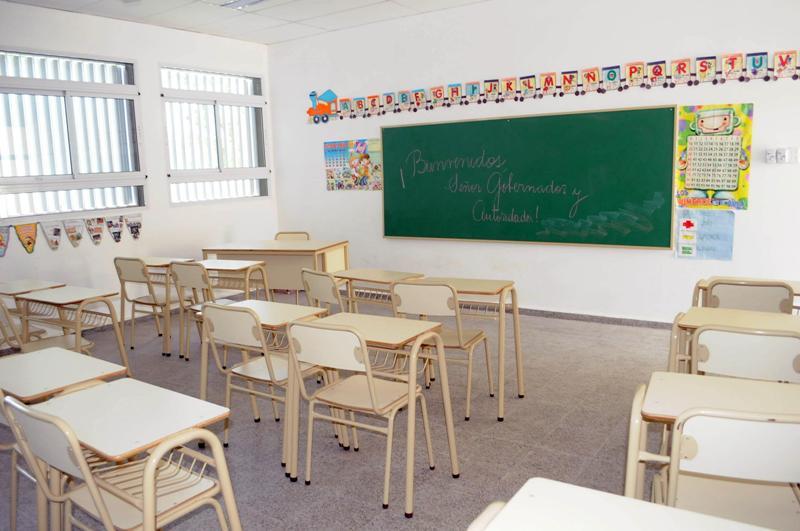 Oid mortales sta fe dos ofertas para equipar con for Mobiliario para escuelas