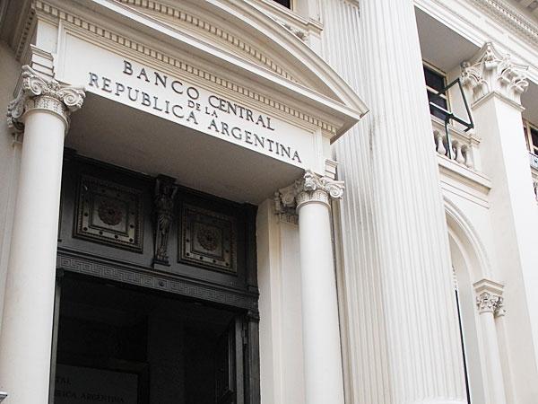 Las reservas del Central cayeron u$s954 millones durante mayo