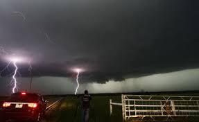 Al menos cinco personas murieron por nuevos tornados en Oklahoma