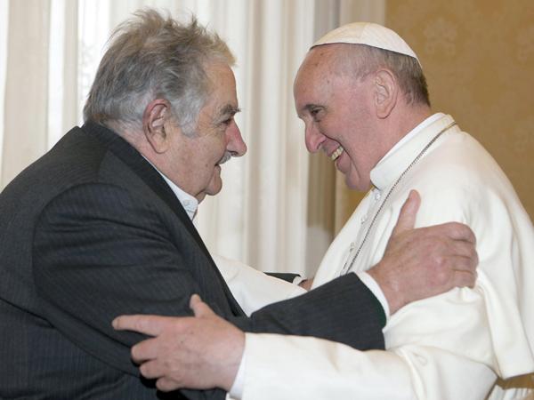 Francisco elogió a Mujica: