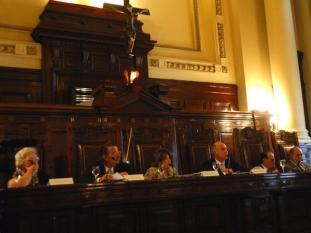 La oposición criticó el proyecto oficial para quitarle el manejo de fondos a la Corte