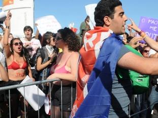 Río: marcha de laicos versus católicos durante la estadía del Papa