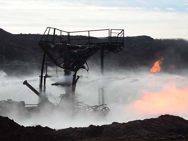Apagaron el incendio en el pozo petrolero de Neuquén