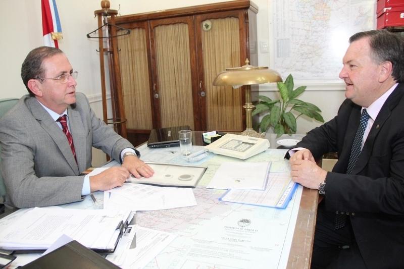 Julio Schneider confirmó la próxima firma de contratos para obras