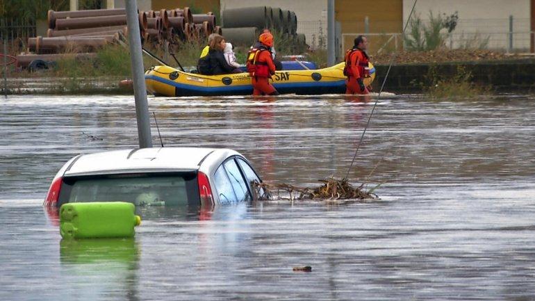 Tras la salida de Moreno, los inundados de La Plata recibirán la plata del