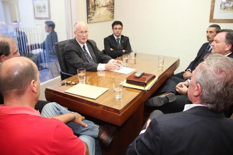 El Fiscal General de la provincia recibió a una delegación de San Cristóbal encabezada por el senador Michlig