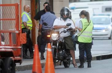 Realizaron más de cuarenta controles vehiculares en Barrio Mariano Comas
