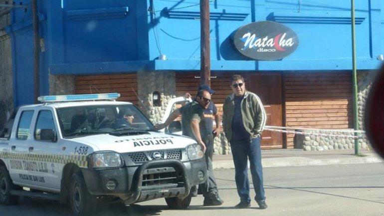 Investigan qué llevó al policía a disparar a mansalva en un boliche